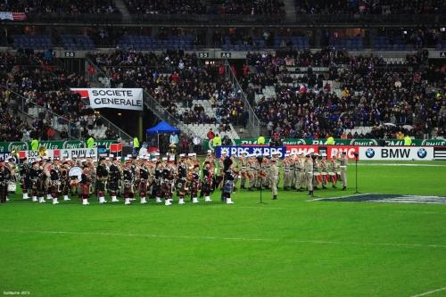 La fanfare de la Légion Étrangère jouant la marseillaise à l'ouverture du match.