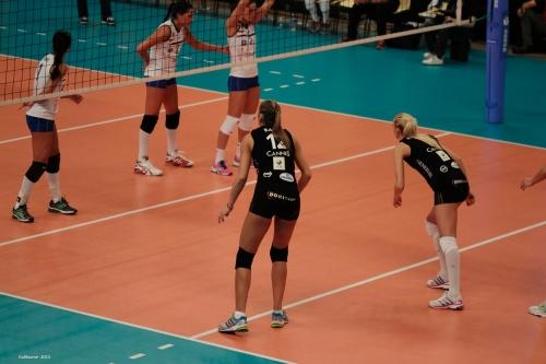 Victoria Ravva, capitaine de l'équipe Cannoise et Ana Antonijevic.