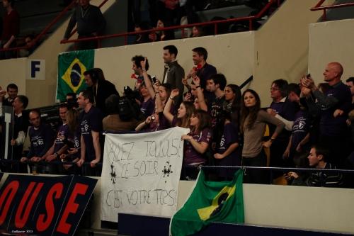 Les supporters Toulousains, peu nombreux face à ceux de Tours.