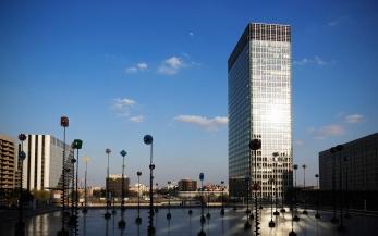 L'avenue des Champs-Élysées vue depuis l'esplanade de la Défense